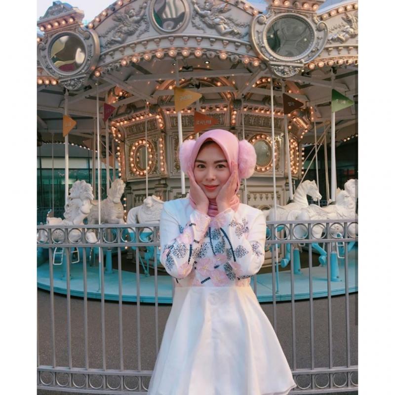 Kwikku, Foto ini diambil saat Ayana berada di Korea di musim dingin Ia juga terlihat semakin cute dengan warna yang soft