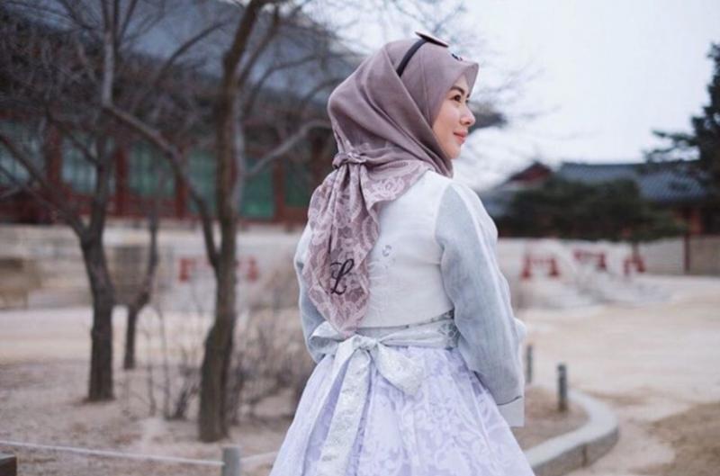 Kwikku, Siapa bilang berhijab nggak bisa pakai Hanbok Ayana bisa kok