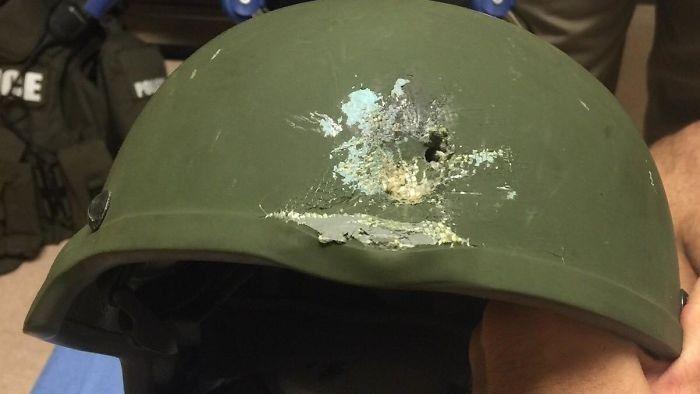Kwikku, Polisi pemilik helm ini selamat dari tembakan saat terjadi baku tembak di Orlando