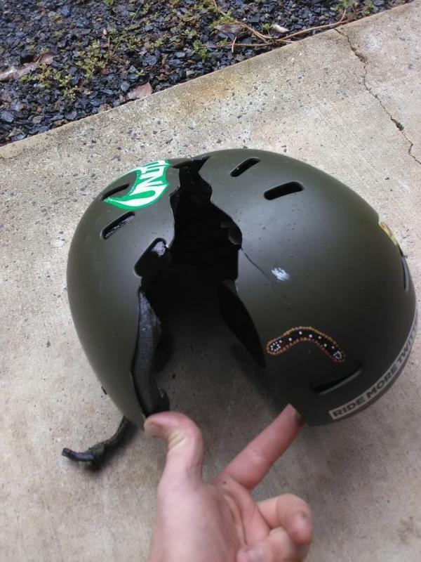 Kwikku, Seorang atlet juga selamat karena memakai helm nggak kebayang jika hal terburuk benarbenar terjadi