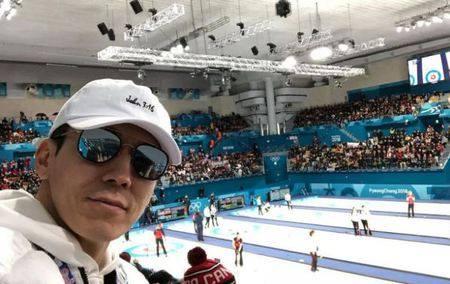 Kwikku, Member Jinusean Sean yang juga penggila olahraga nggak mau ketinggalan hadir memberi dukungan