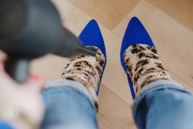 Kwikku, Sepatu yang sempit ketika pertama kali digunakan bisa longgar dengan penggunaan hair dryer