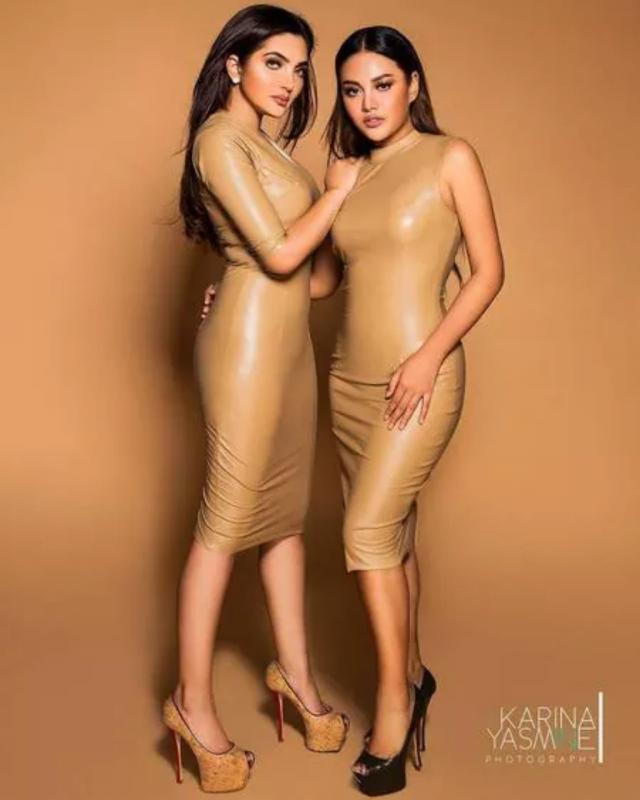 Kwikku, Mereka juga sempat melakukan photoshoot dengan gaun latex lainnya yang bernuansa warna  nude