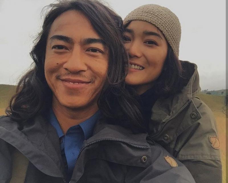 Kwikku, Melalui fotofoto yang dibagikannya pasangan ini tampak menyukai traveling ke berbagai negara dengan mengunjungi wisata alam yang tak banyak dikunjungi orang lain