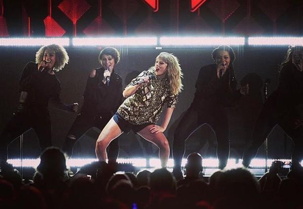 Kwikku, Posisi ke ditempati oleh penyanyi berbakat Taylor Swift dengan  juta pengikut