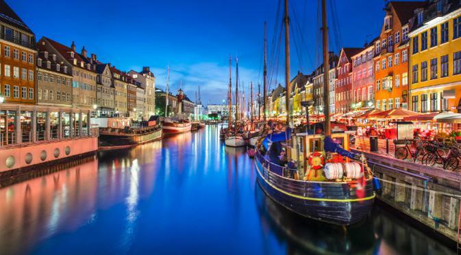 Kwikku, Diposisi ke ada Denmark yang berhasil mengalahkan Swedia karena pekerjanya yang produktif Pekerja di Denmark mendapatkan bayaran sebesar  poundsterling atau Rp  ribu per jam