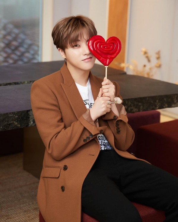 Kwikku, Meskipun usianya sudah dewasa Kim Jihwan iKON sering jadi korban bercandaan member lainnya dan membuat suasana jadi lebih kocak