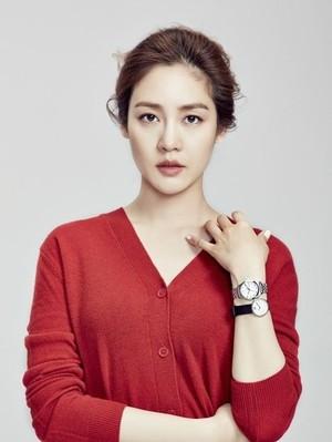 Kwikku, Sung Yuri pernah mendapat surat penuh celaan saat ia masih menjadi member Fin KL kemudian ia mencari tahu identitas pengirim dan menelepon gurunya dan melaporkan yang terjadi