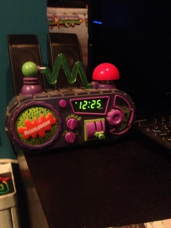 Kwikku, Bunyi jam alarmnya mungkin bisa mati tapi gantian radionya yang akan menyala