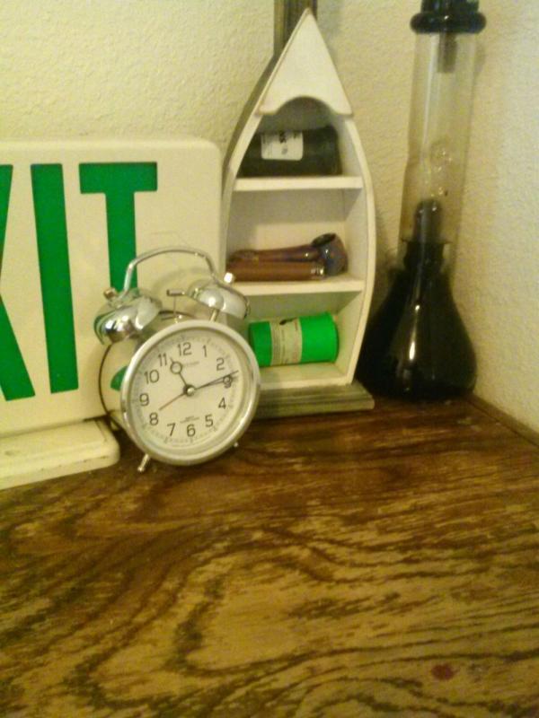 Kwikku, Atau kamu juga bisa menaruh jam alarm ditengah ruangan bagian rumah agar semua orang juga bangun
