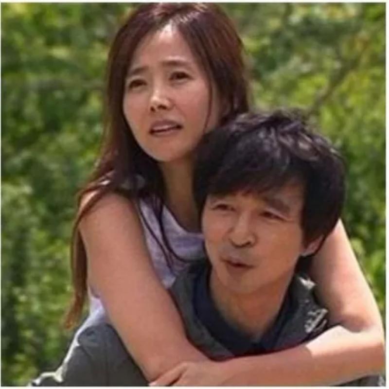 Kwikku, Dan pasangan yang paling ingin ditiru adalah memiliki presentasi sebesar  berhasil ditempati oleh Kang Soo Ji dan Kim Guk Jin Meskipun berada pada usia an pasangan ini akan berencara menikah pada Mei mendatang