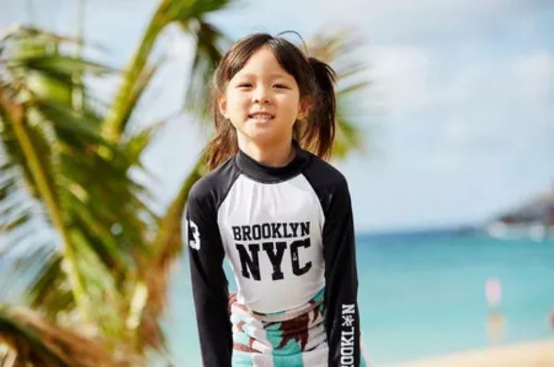 Kwikku, Well lama tak melihat Sarang ia sudah tumbuh semakin besar loh Seperti ayah dan ibunya yang suka traveling Sarang juga terlihat senang saat berada di Pantai