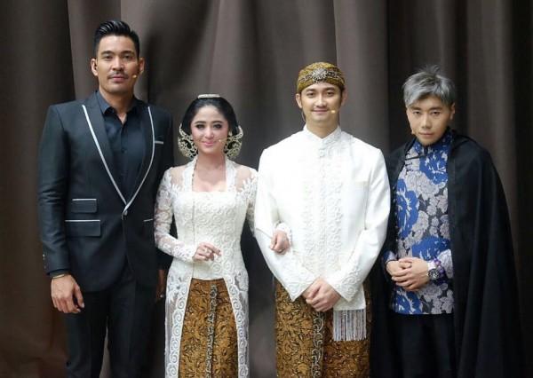 Kwikku, Dewi dan Angga juga sempat berfoto dengan Robby dan Roy Well congratulation untuk Dewi perssik