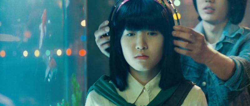 Kwikku, Masyarakat Korea percaya jika mengenakan headset di tempat umum bisa membuatmu diculik Hal ini bermula karena banyak kasus penculikan dengan korban gadis yang memakai headset di tempat umum