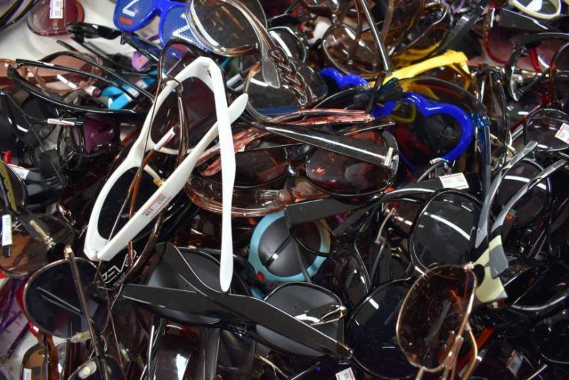 Kwikku, Lihat saja mungkin kacamata ini jumlahnya sudah mencapai ribuan jika dikumpulkan