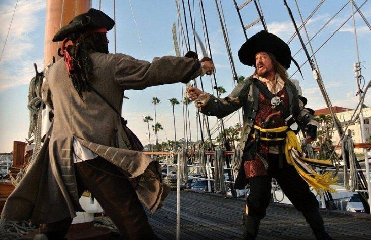 Kwikku, Orang yang tertangkap melakukan korupsi hasil curian akan dihukum oleh kapten dengan melemparkannya ke laut lepas
