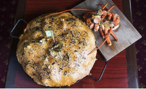 Kwikku, Makanan bernama Posh pie ini dihargai Rp  juta Menariknya makanan ini terdiri dari truffle daun emas daging dan lobster