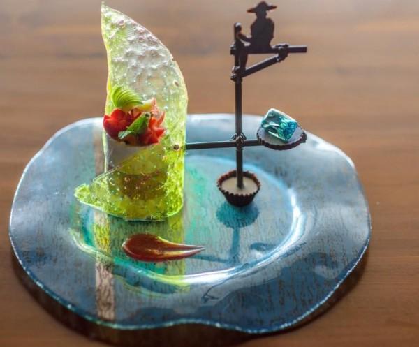 Kwikku, Entah bagaimana proses pembuatannya dan berbahan dasar apa namun dessert yang dinamakan Fortress Stilt Fisherman Indulgence ini dihargai Rp  juta