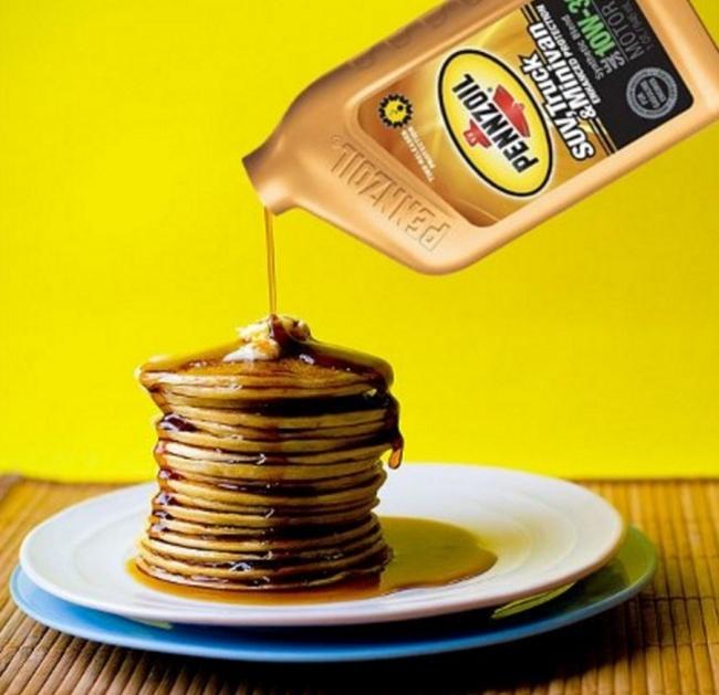 Kwikku, Pancake menyerap sirup sangat cepat oleh karena itu digunakan oli mesin sebagai pengganti sirup