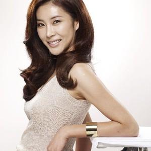 Kwikku, Salah satu pemain drama Full House Han Eun Jung pernah membiayai pernikahan manajarnya Ia juga memberi hadiah mewah seperti jam branded sepatu dan baju Ia juga ikut andil dalam pernikahan tersebut sebagai penyambut tamu