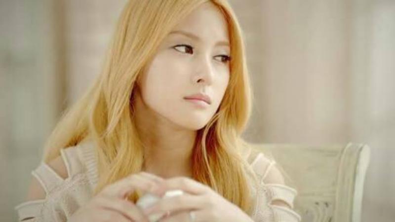 Kwikku, Karena hidungnya yang mancung matanya yang lebar dan rambutnya yang sering diwarnai dengan warna blonde tak jarang banyak yang mengira Gyuri adalah bule
