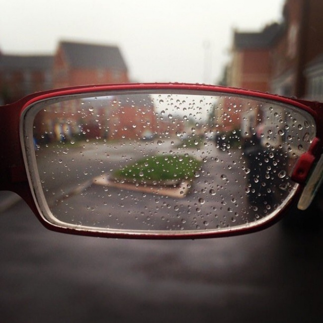 Kwikku, Hujan juga bisa menghalangi penglihatan sebel kalau kacamata jadi begini