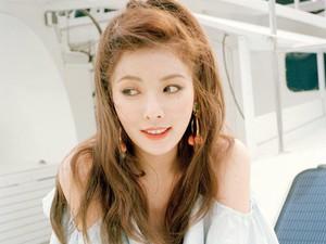 Kwikku, Garagara duet hotnya dengan Hyunseung di single Trouble Maker Hyuna sempat digosipkan hamil anak Hynseung Namun gosip tersebut nyatanya tidak benar sampai sat ini