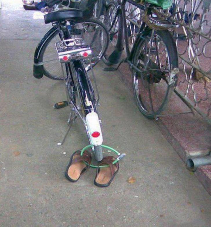 Kwikku, Well cara ini efektif banget buat cowok yang Jumatan Selain sepeda kamu juga bisa mengamankan sandalmu