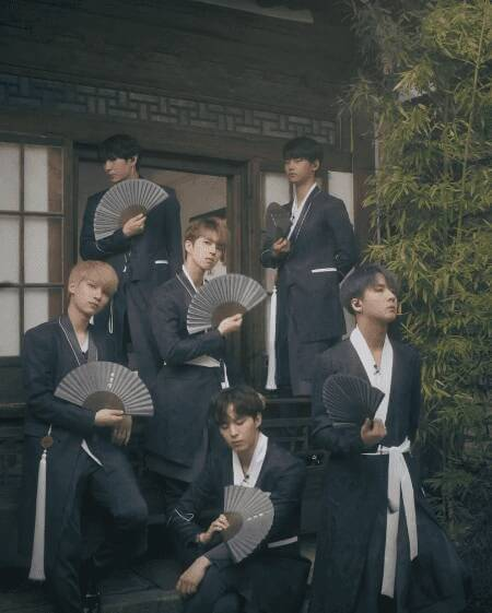 Kwikku, Shangri La yang merupakan lagu VIXX tampak begitu menarik karena dance mereka yang menggunakan kipas sebagai penunjangnya