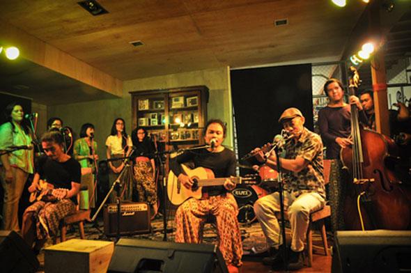 Kwikku, Manggung di Berbagai Event Musik Indie
