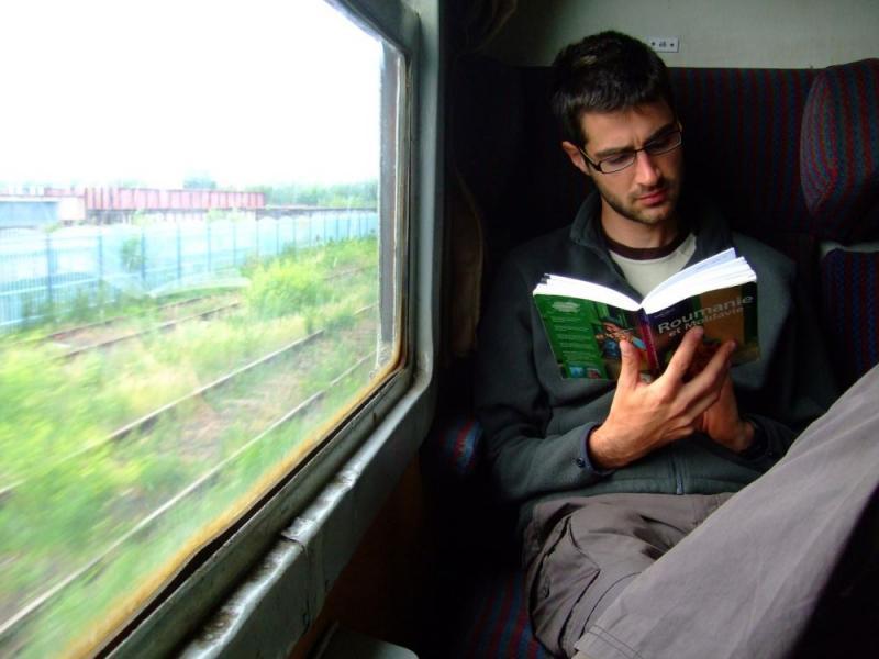 Kwikku, Membaca Buku