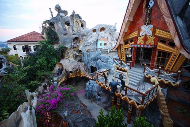 Kwikku, Hang Nga House Vietnam