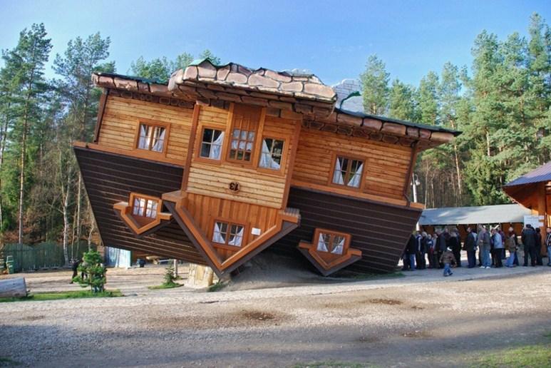 Kwikku, Rumah Terbalik Polandia
