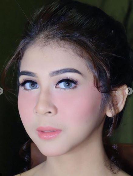 Kwikku, Make up Elegan