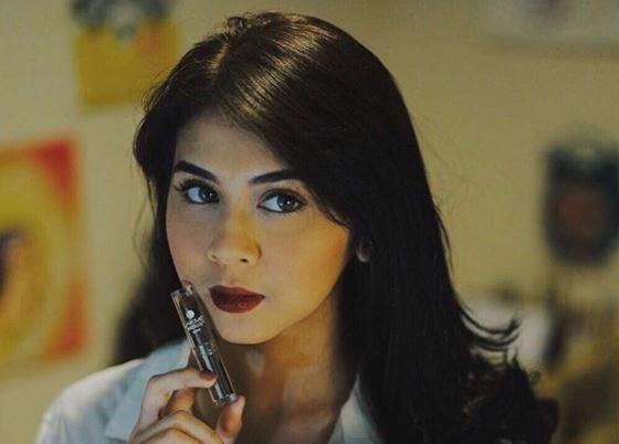 Kwikku, Dark Brown Lipstick Berikan Kesan Seksi