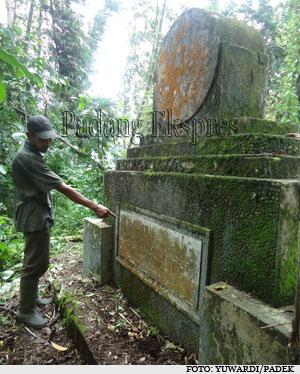 Kwikku, Monumen Kecelakaan KA Padang Panjang