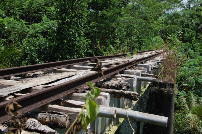 Kwikku, Jalur KA Saketi  Bayah