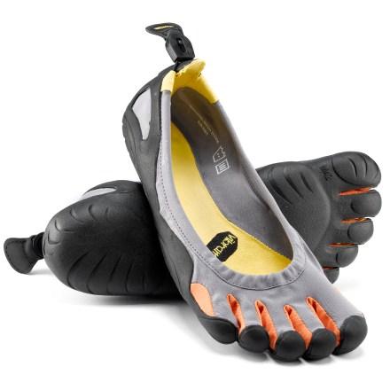 Kwikku, Foot Gloves Cocoknya buat di dalam rumah atau dipakai waktu tidur biar kaki gak dingin