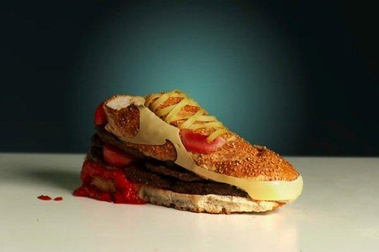 Kwikku, Nike Shoes Burger Nggak tega mau pakai pengen dimakan aja rasanya