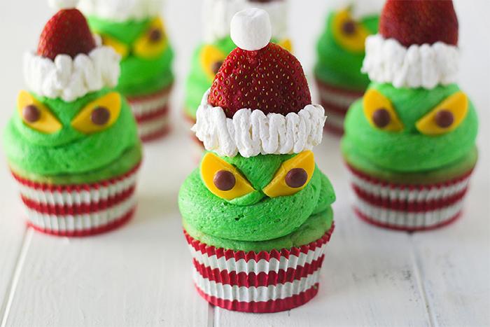 Kwikku, Greentea cupcakes and strawberry masih tega mau memakannya