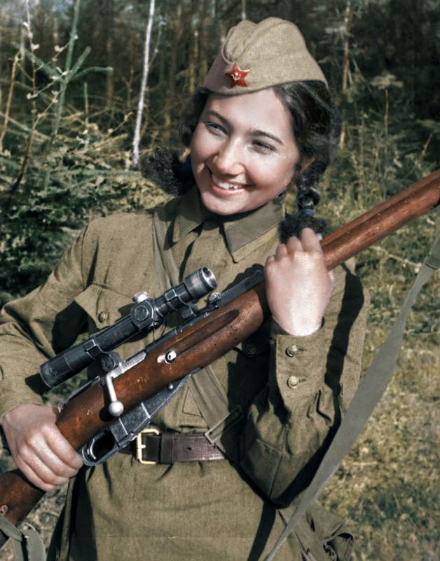 Kwikku, Ziba Ganiyeva dari Uzbek ia bergabung dengan tentara Uni Soviet saat usianya  tahun dan telah berada di barisan depan selama kurang lebih  kali