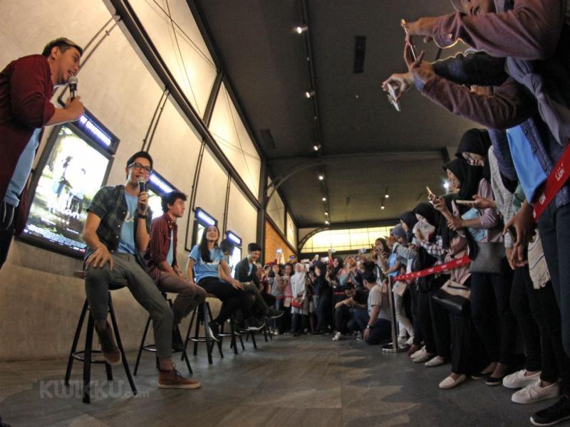 Kwikku, Para cast menyapa di tengah keramaian fans