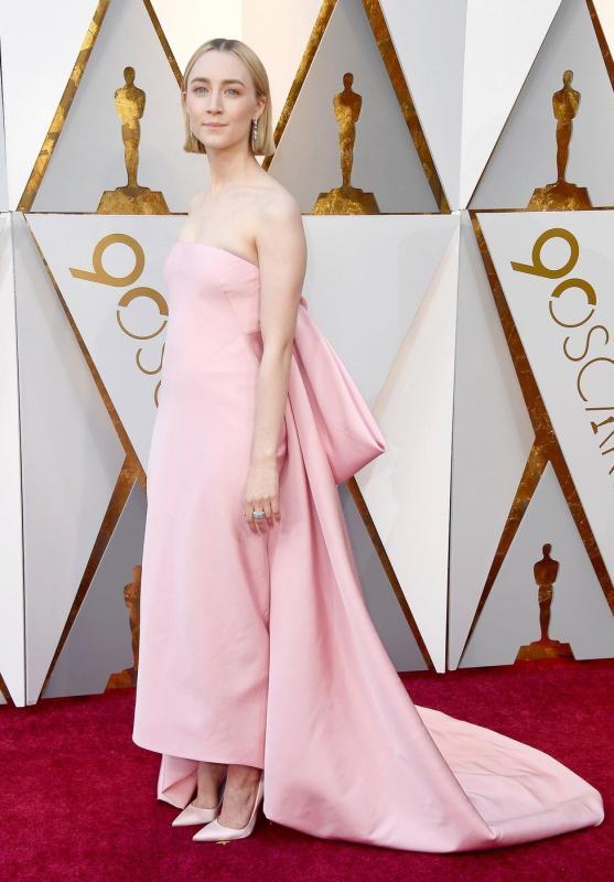 Kwikku, Penampilan Simpel dan manis dari Saoire Ronan setelah  tahun mendapatkan penghargaan Oscar