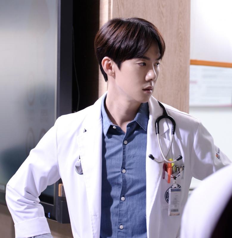 Kwikku, Yoo Yeon Seok  Doctor Romantic