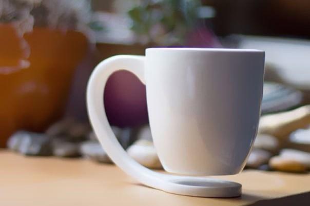 Kwikku, Flying mug Cangkir kopi yang seolaholah melayang ini emang kreatif banget kreatornya