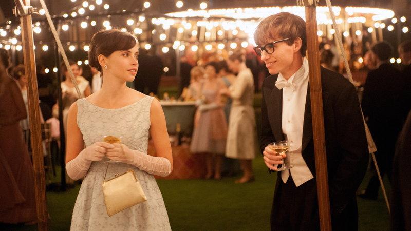 Kwikku, Karakter Stephen Hawking dan istri diperankan oleh Eddie Redmayne dan Felicity Jones