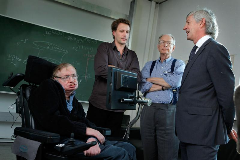 Kwikku, Mengajukan teori TopDown Cosmology bersama Thomas Hertog
