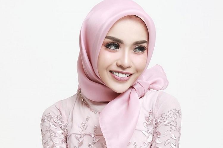 Kwikku, Hijabers Media Zein juga terkenal dengan gayanya yang fashionable Ia adalah seorang pebisnis yang menginspirasi lho