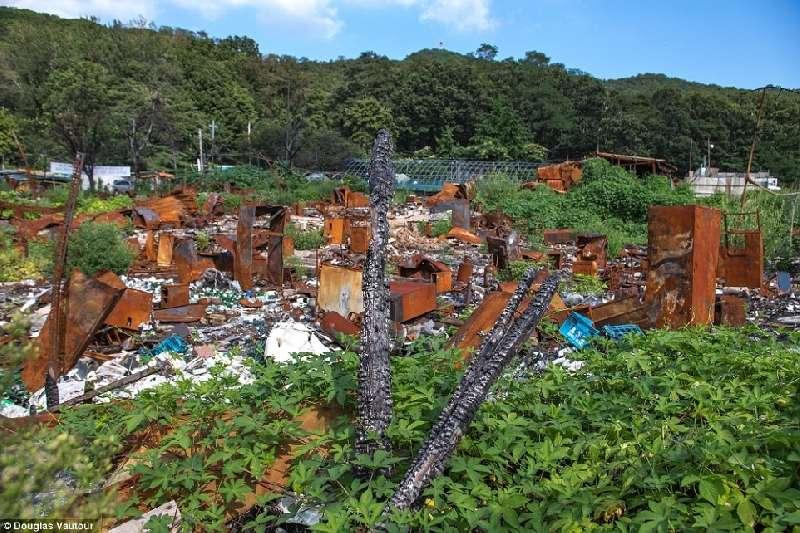 Kwikku, Penduduk berjuang untuk membangun pemukiman ini dan melawan regulasi dari pemerintah