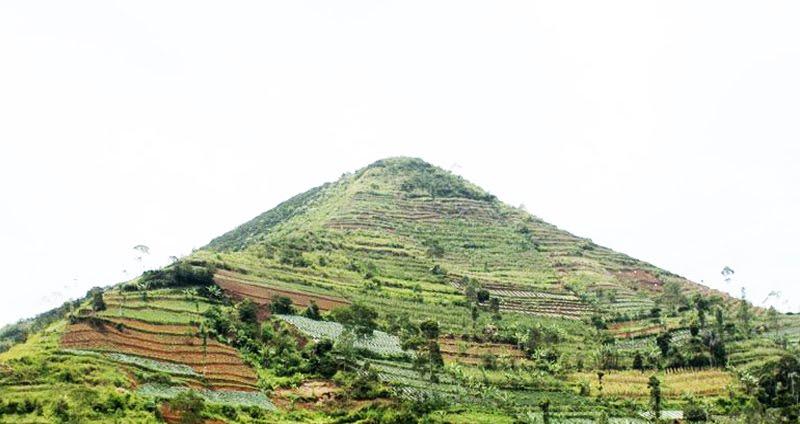 Kwikku, Piramida Sadahurip